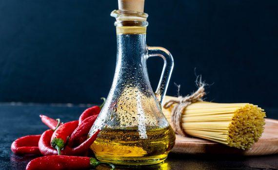 bottiglietta di olio piccante